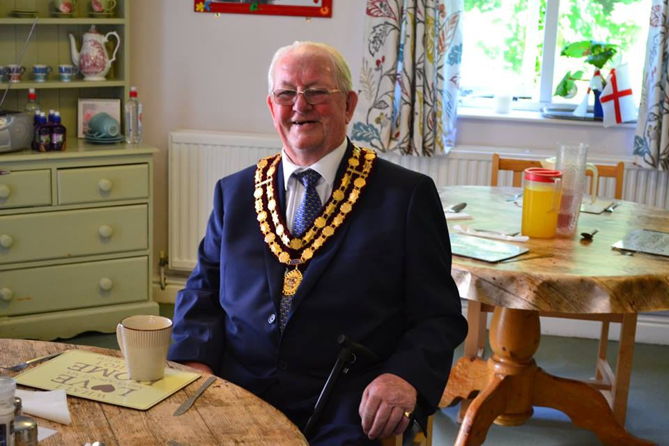 Former Lord Mayor Brings a Sense of Occasion to Local Care Home
