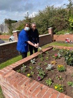Dementia Friendly Gardening Brings Back Memories